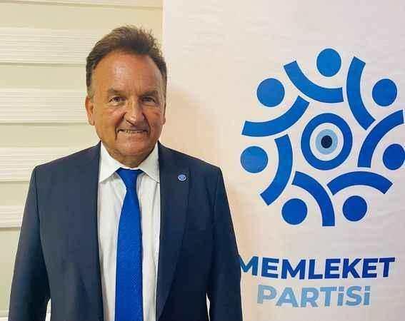 Memleket Partisi Antalya İl Başkanı Hüseyin Baraner.