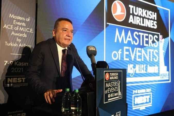 Antalya BŞB Başkanı Böcek: 'Turizmcilerimizin emrindeyiz'