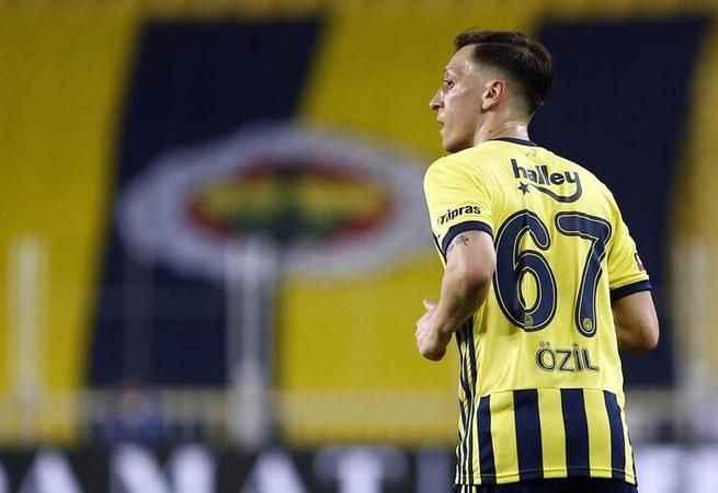 Mesut Özil, aldığı transfer teklifini açıkladı