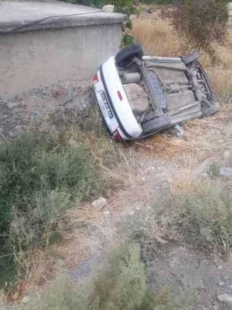 Şarampole düştü araçtan hafif yaralı kurtuldu