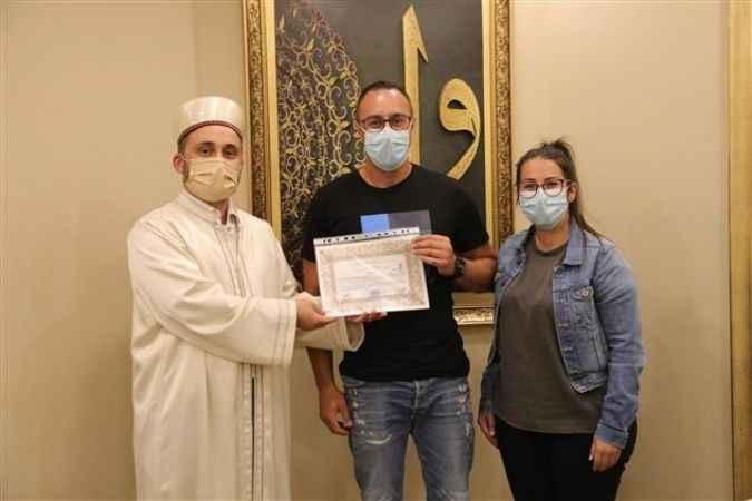 Alman vatandaşı Dennis Patrıck törenle Müslüman oldu