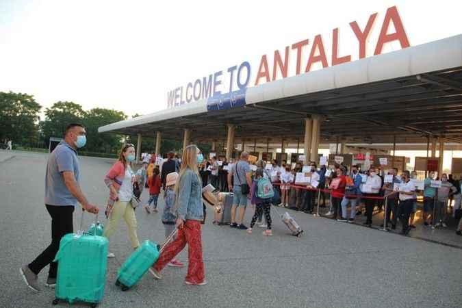 Rusya'da kafalar karışık! Yeni kabul kuralları Alanya'da turizmi etkiler mi?