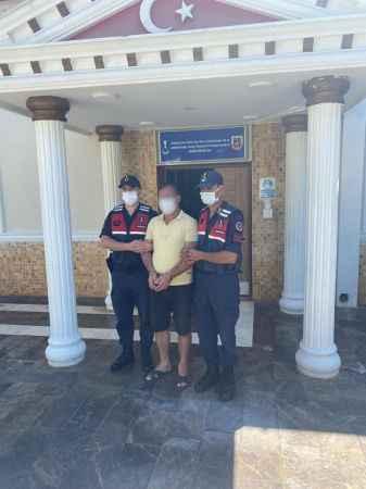 Antalya'da birçok suçtan aranan şahıs yakalandı