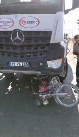 Korkunç kaza! Motosiklet ile mikser çarpıştı