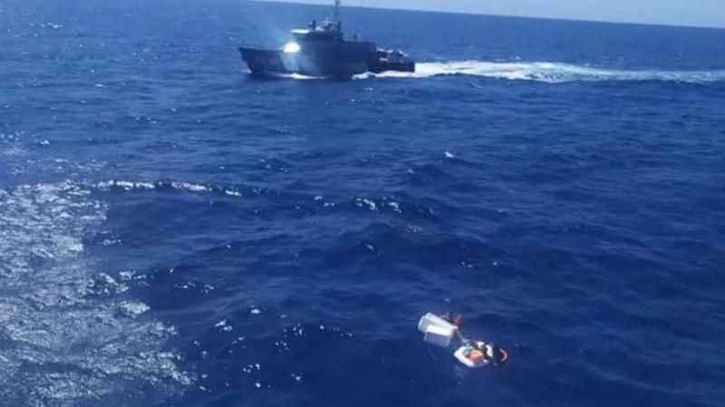 Denizde annelerinin ölüsüne sarılmış halde bulundular! Çocuklarını yaşatmak için bunu yapmış