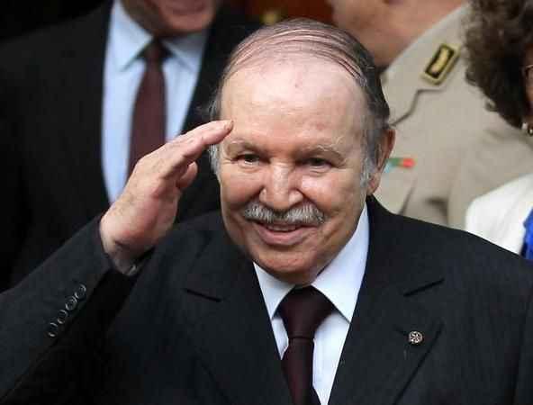 Ülkeyi 20 yıl yöneten eski Cumhurbaşkanı Bouteflika hayatını kaybetti