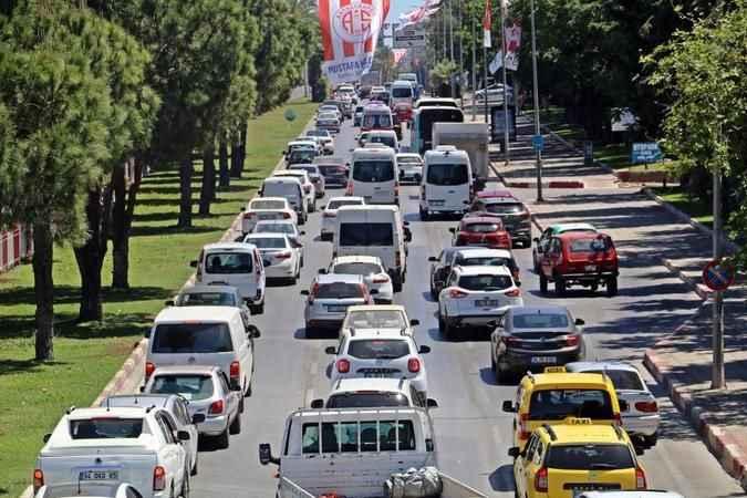 Antalya'da taşıt sayısı 1.2 milyon