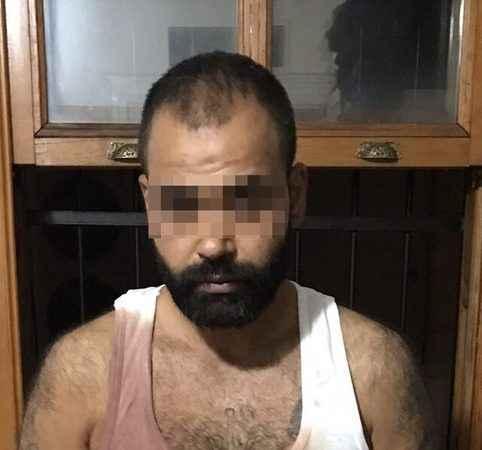 Beyoğlu'nda dehşet! Başından vurduğu hamile eşini intihar süsü vermek için kucağında caddeye taşıdı