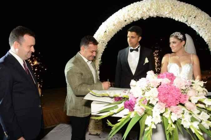 Alanya bu düğünde buluştu: Berna ve Hüseyin 'Evet' dedi