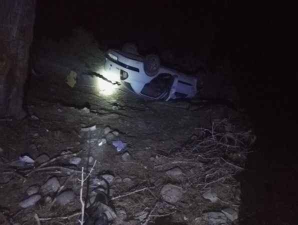 Manavgat'ta feci kaza! Otomobil şarampole devrildi: 1 can kaybı, 4 yaralı