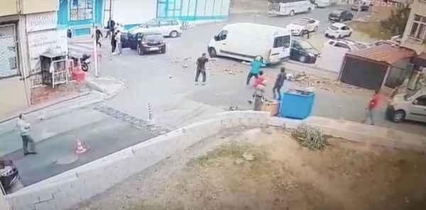 Akılalmaz kaza! Fren yerine gaza bastı 1'i çocuk 2 yaya hayatını kaybeti