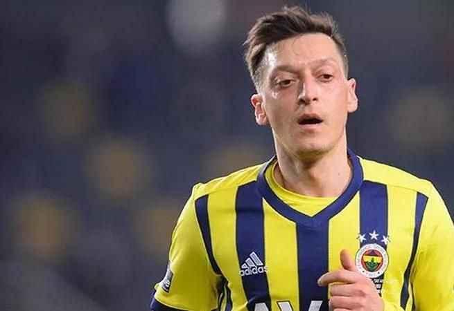 Mesut Özil Fenerbahçeli taraftarları çıldırttı!