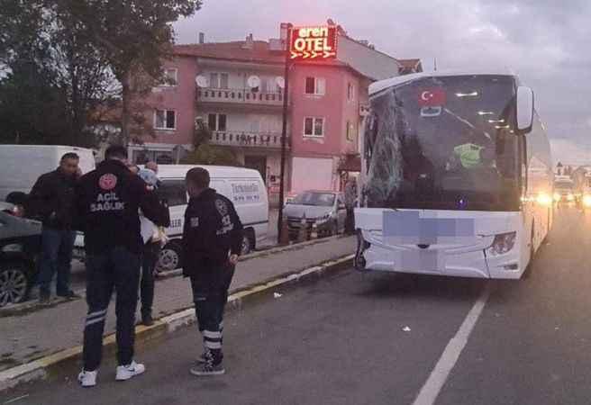 Minibüsle çarpışan otobüsün şoförü direksiyon başında uyuya kalmış! 3 yaralı