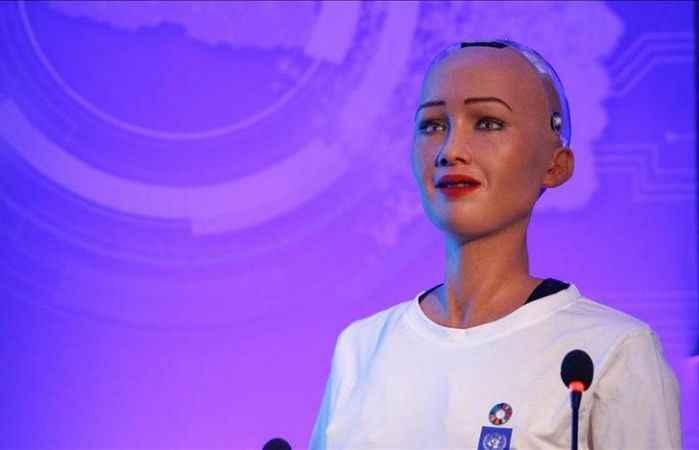 Robot Sophia bebek sahibi olmak istiyor!