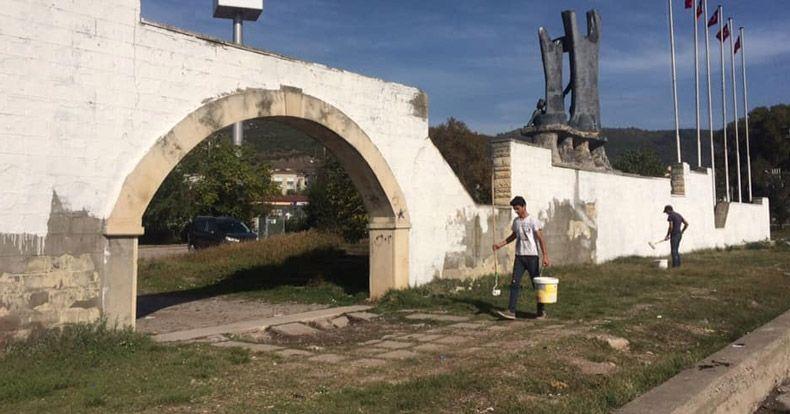 Enver Okan Anıt alanını 10 Kasım'a hazırlıyor