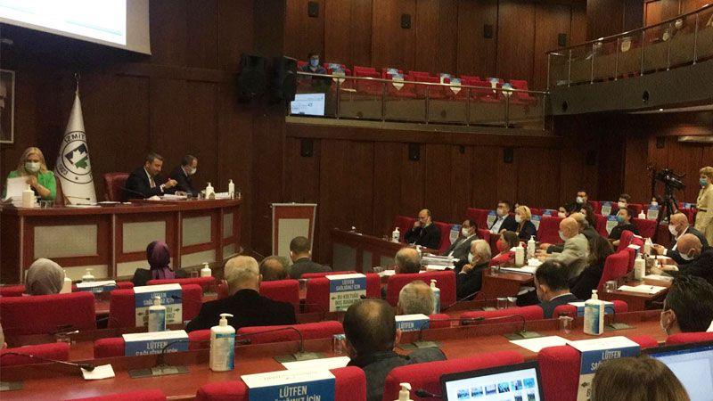 İzmit Belediyesi'nde komisyonlar sonraki meclise kaldı