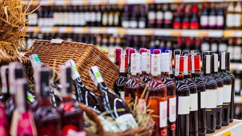 Zincir marketlerde alkol SATILABİLECEK