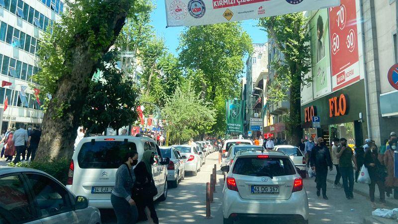 İzmit'te trafik yeniden REZALET