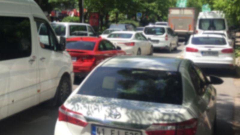 İzmit'te trafik işkencesi