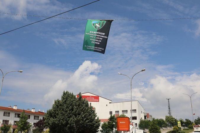 Kocaelispor bayrakları dalgalanmaya devam ediyor