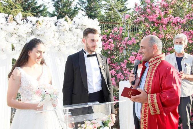 Muhtar Kazım Elmas kızını evlendirdi
