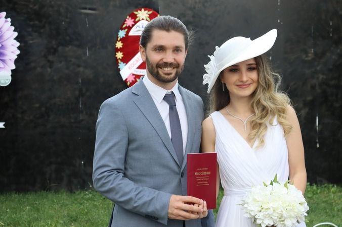 Gülümse Kafe'de ilk nikah kıyıldı