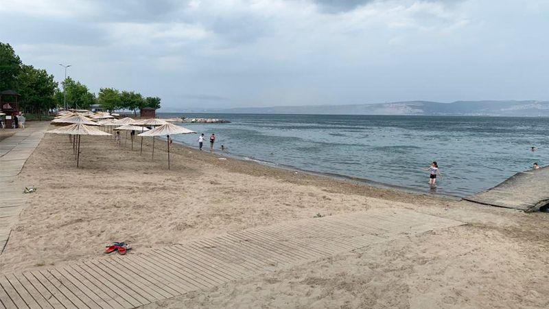 Karamürsel Plajı bu yıl pek sakin