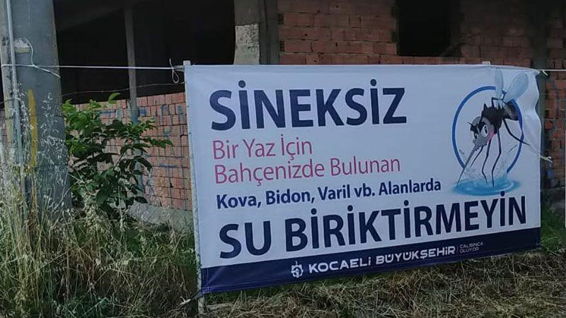 Vatandaş ilaçlama bekliyor, Büyükşehir afiş asıyor