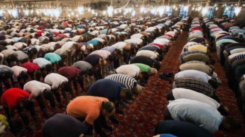 Camilerde klima yasağı cemaati bunalttı