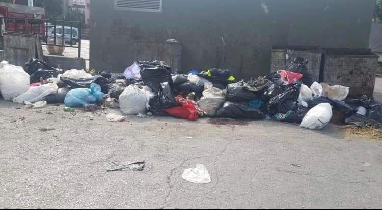 Kurban atıkları yine sokaklardan toplandı
