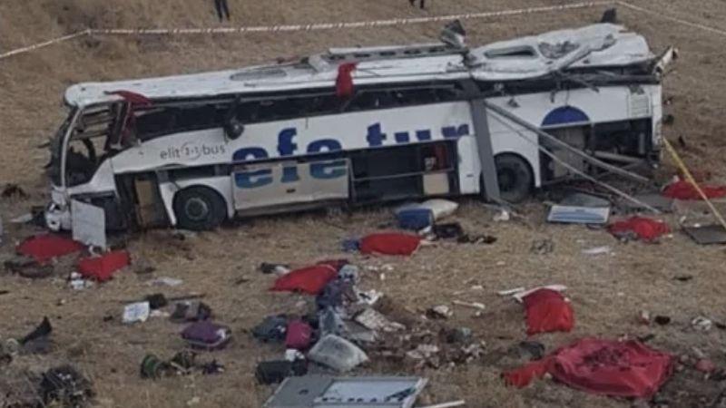 Efe Tur otobüsü devrildi: 15 ölü