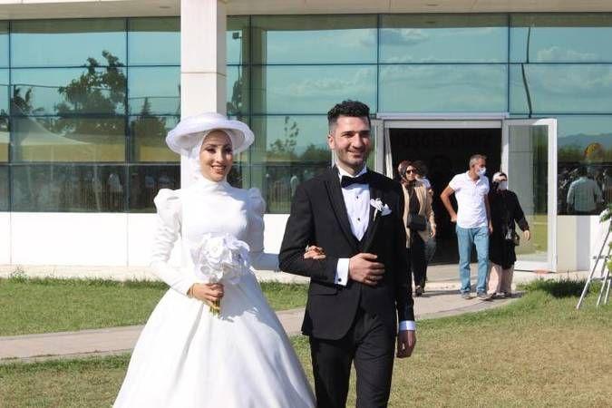 Ayşenur ile Sergen evliler kervanına katıldılar