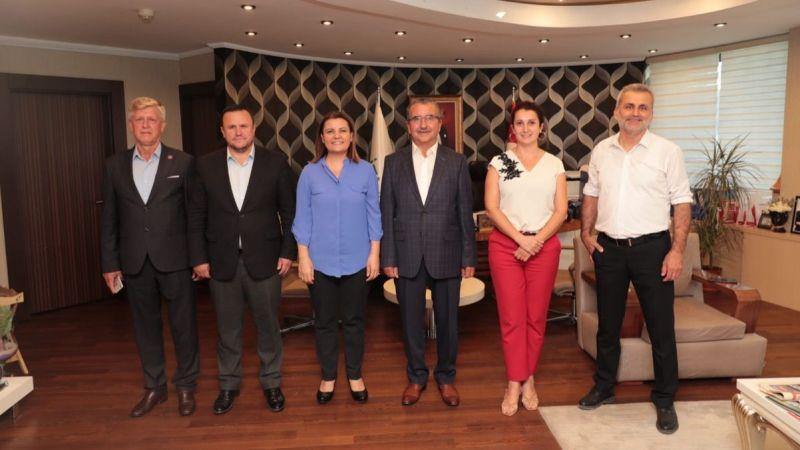 İzmit Belediyesi, muhtarlık masasını daha da güçlendirdi