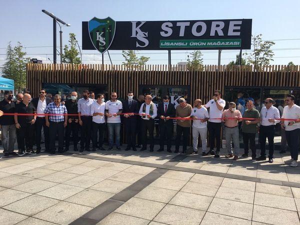 KS Store açıldı