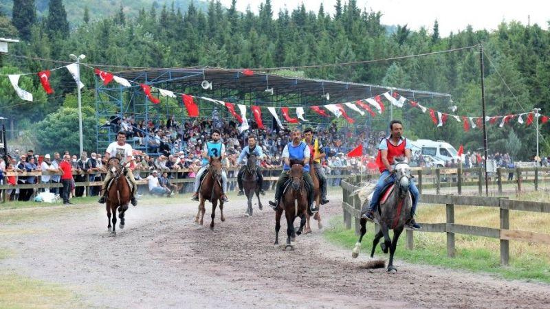Rahvan At Yarışları'nda heyecan yaşandı