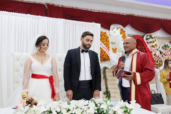 Gamze ile Mehmet Ali evliler kervanına katıldı