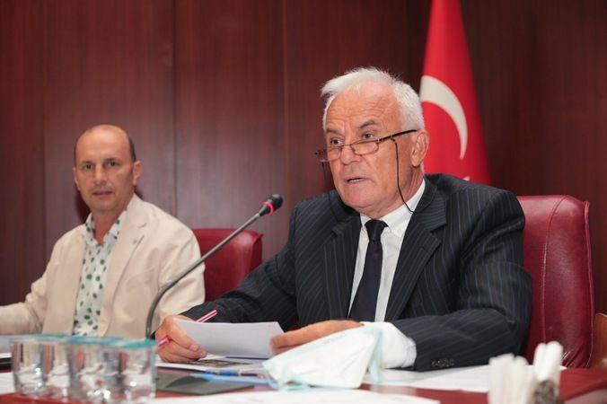 İzmit Belediyesi Meclisi toplandı