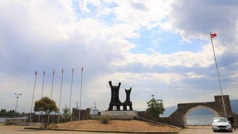 Anıta el atıldı