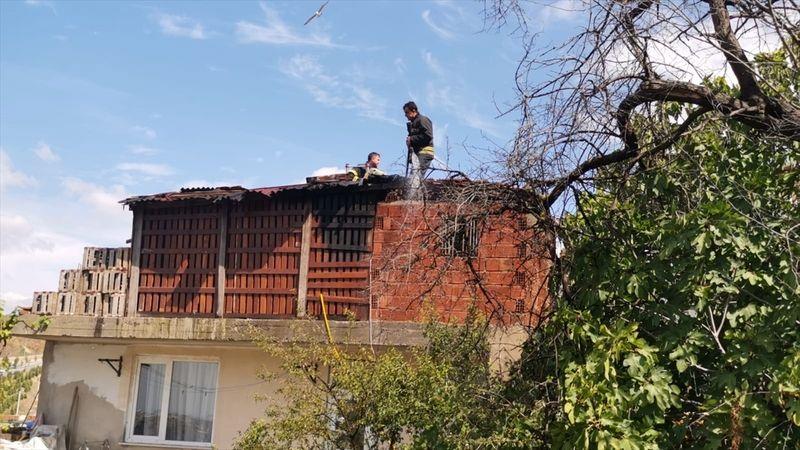 Çatı yangını söndürüldü