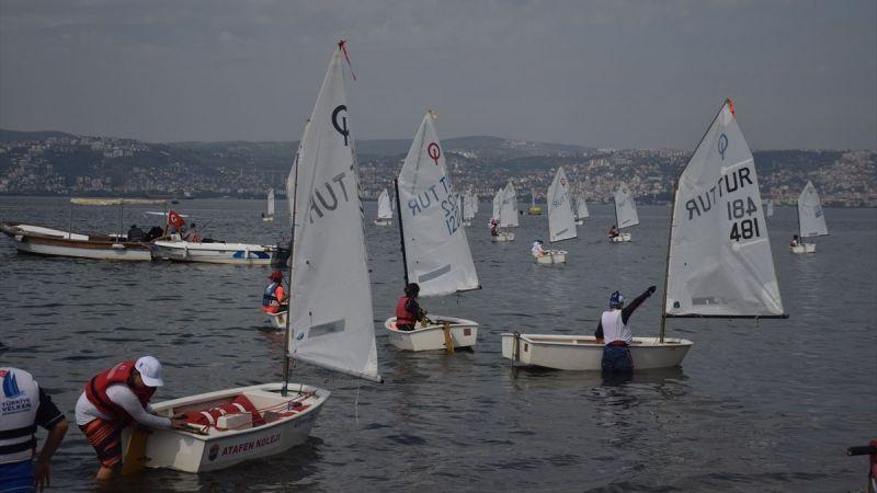 İzmit Körfezi'nde yelken yarışları