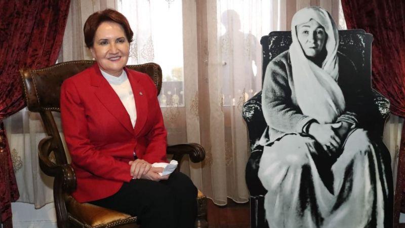 Akşener önce Atatürk Evi'ne gitti