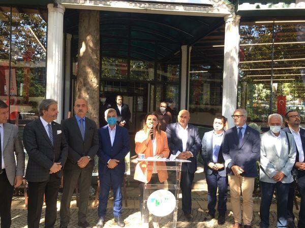 Cumhuriyet Parkı'ndaki kafe yeniden açıldı