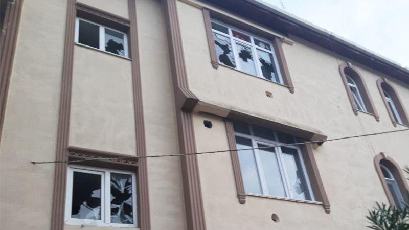 Bu kez evinin camları kırıldı