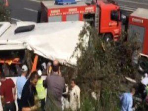 TEM'de yolcu otobüsü devrildi!! 37 yaralı var