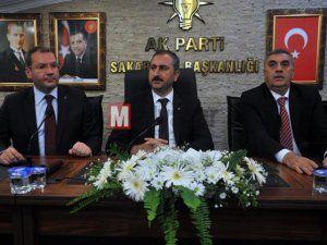 Belediye başkanları projelerini Abdülhamit Gül'e sundu