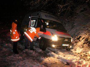 Yol Kapandı Ambulans Mahsur kaldı