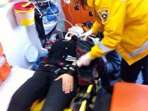 Akyazılı Otomobil sürücüsü Kaynarca yolunda kaza:yaptı 2 yaralı