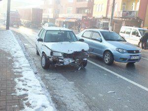 Aşırı buzlanma kaza getirdi