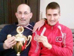 Şampiyon'dan Baykal'a ziyaret