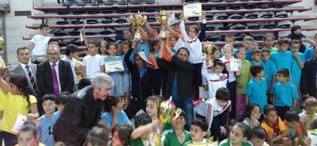 Atletizm Oyunları Şampiyonu Mehmet Akif Ersoy İlkokulu